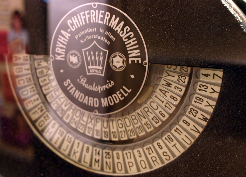 Kryha-Chiffriermaschine, Kryha-Encryption Device by Ryan Somma under CC
